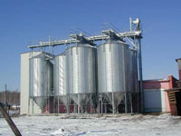 6 round silos with hopper